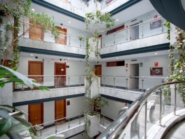 Oficina de 187 m2 en Avenida de la Aeronáutica nº 10, Sevilla, Sevilla